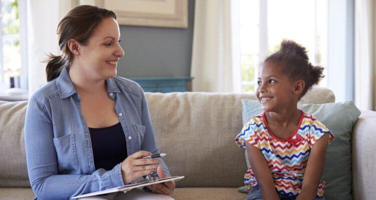 Чем занимается детский психолог
